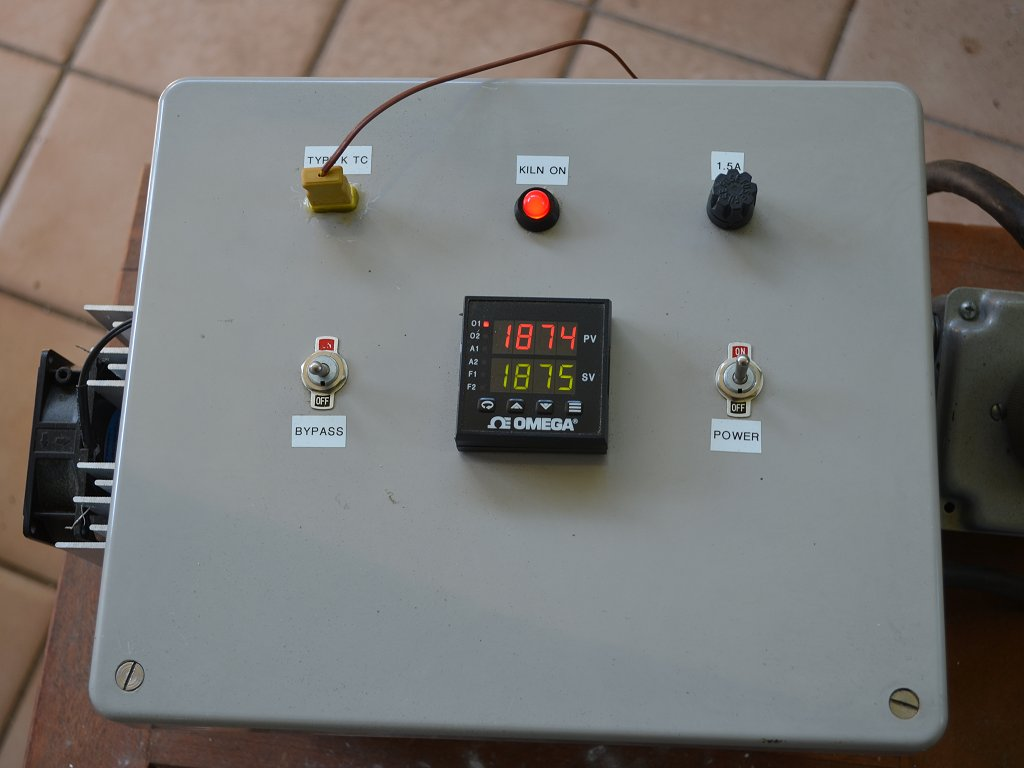 The kiln controller in operation.